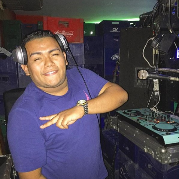 Party Mix by Dj Cholito.mp3